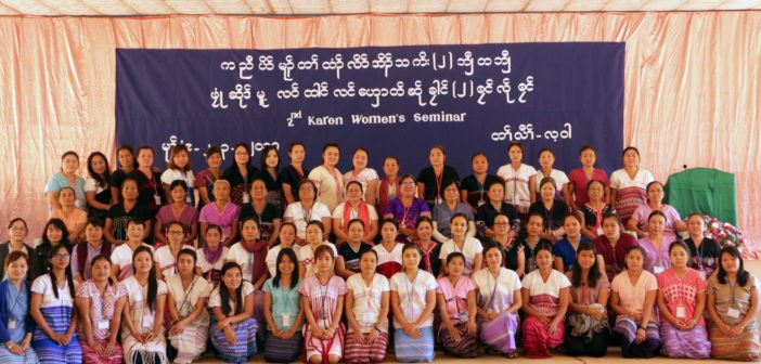 Group-photo-of-women-seminar (1)